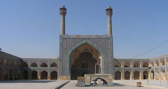 Courtyard and south iwan of the Jameh Mosque (Great Mosque) at Isfahan, Iran, 8th century, photograph by Alex O. Holcombe