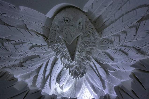 Instagram Snow Village Three-eyed Raven