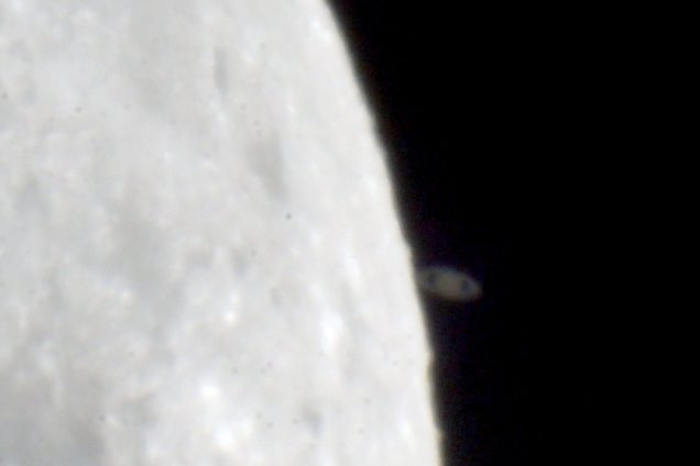 Twitter Ian Griffin Saturn behind Moon