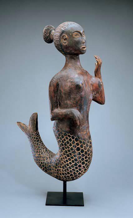 Smithsonian Dona Fish Statue Angola