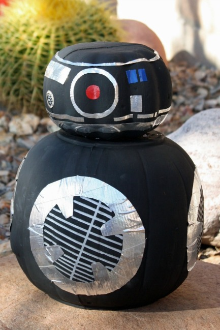 Desert Chica Karen Heffren How-to-make-a-Star-Wars-BB-9E-Pumpkin